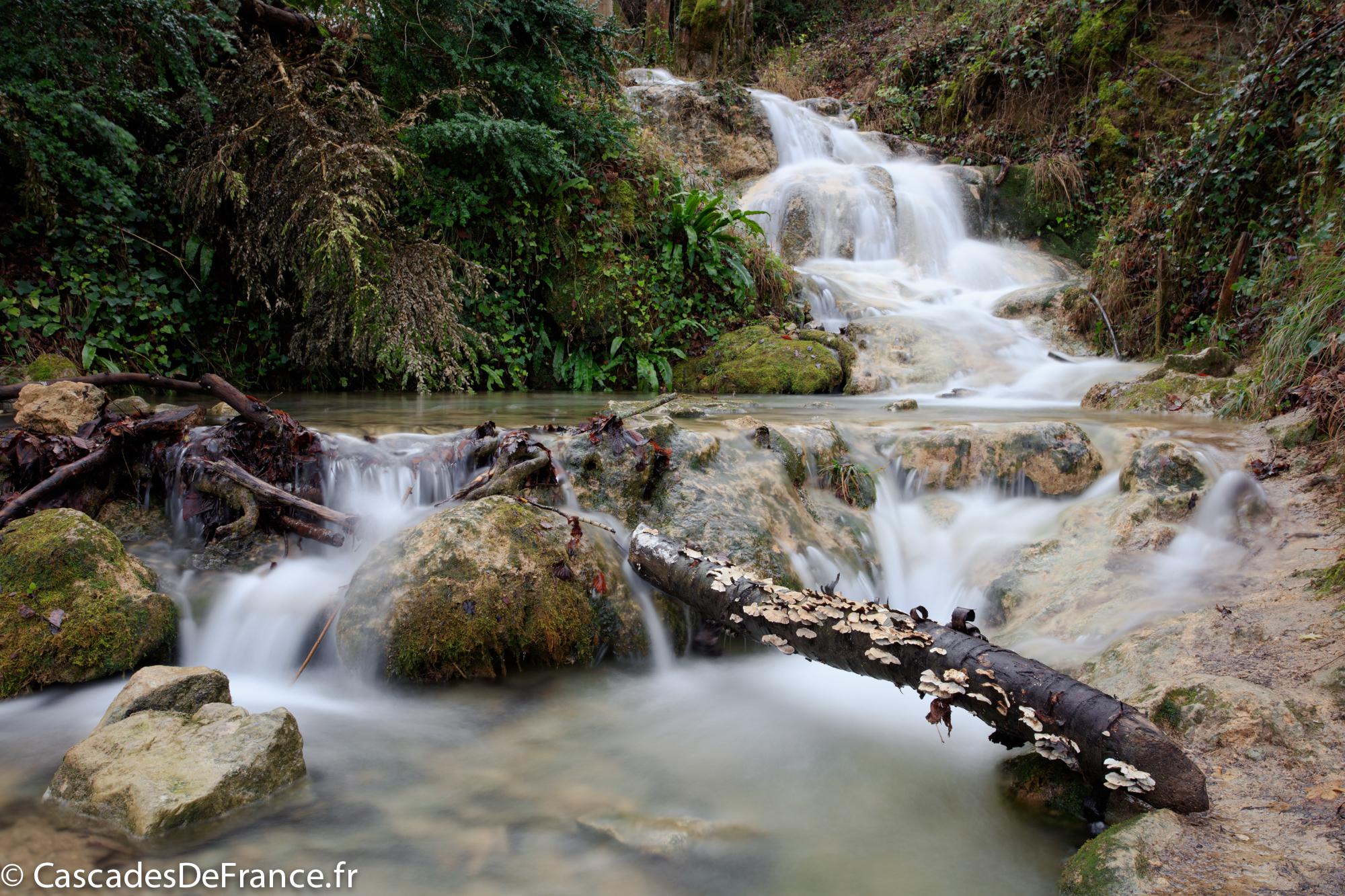 2I6A6171-cascade roquefort les cascades-cdf