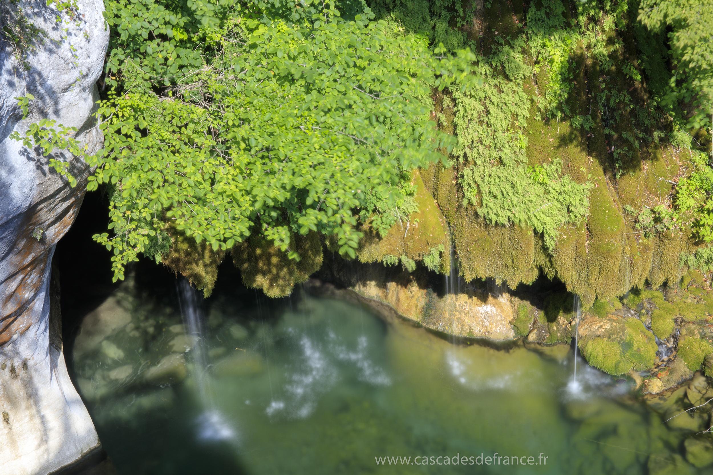 cascade-du-saut-du-loup-courmes-3