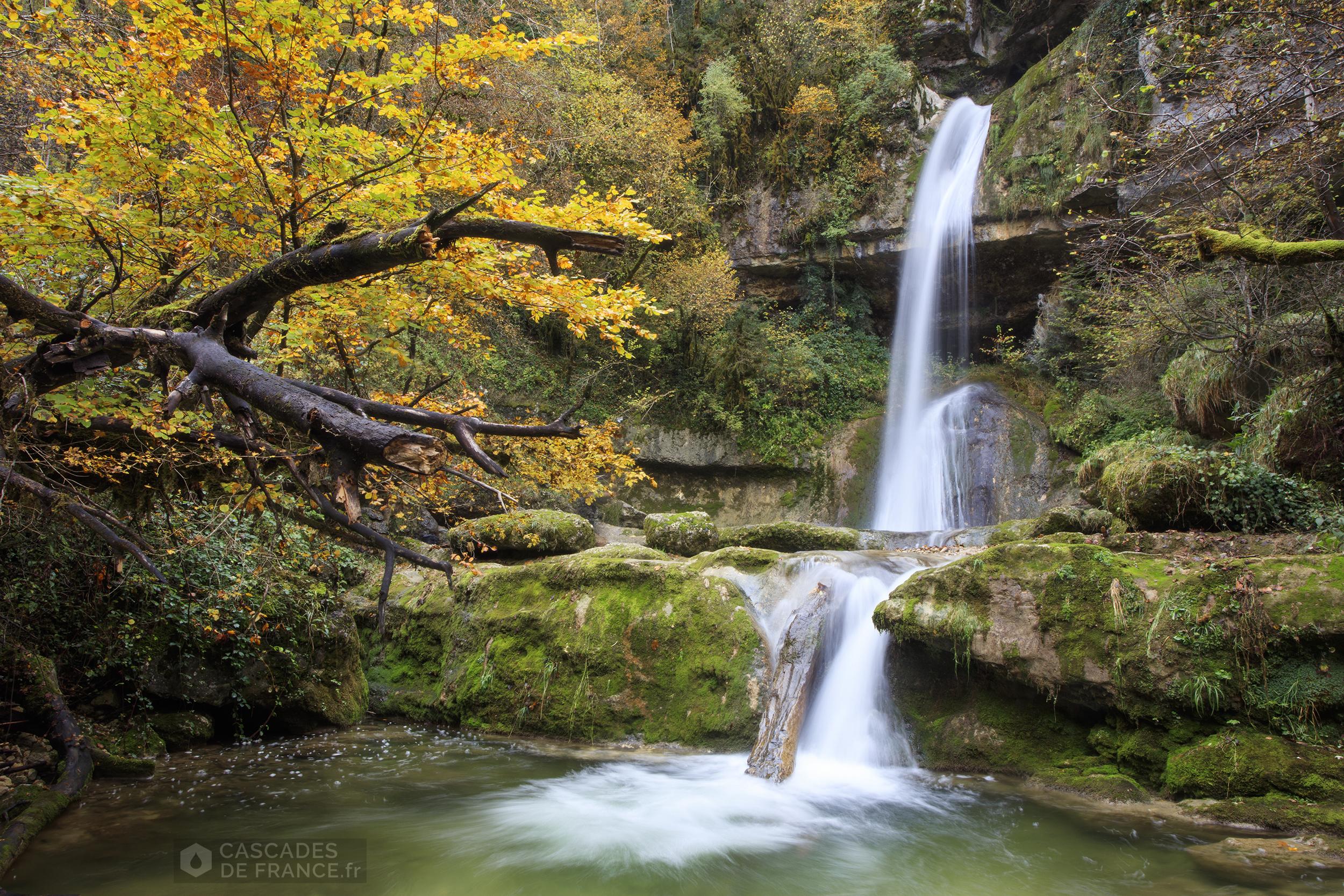 2i6a4163-cascade-moulin-vulvoz-cdf