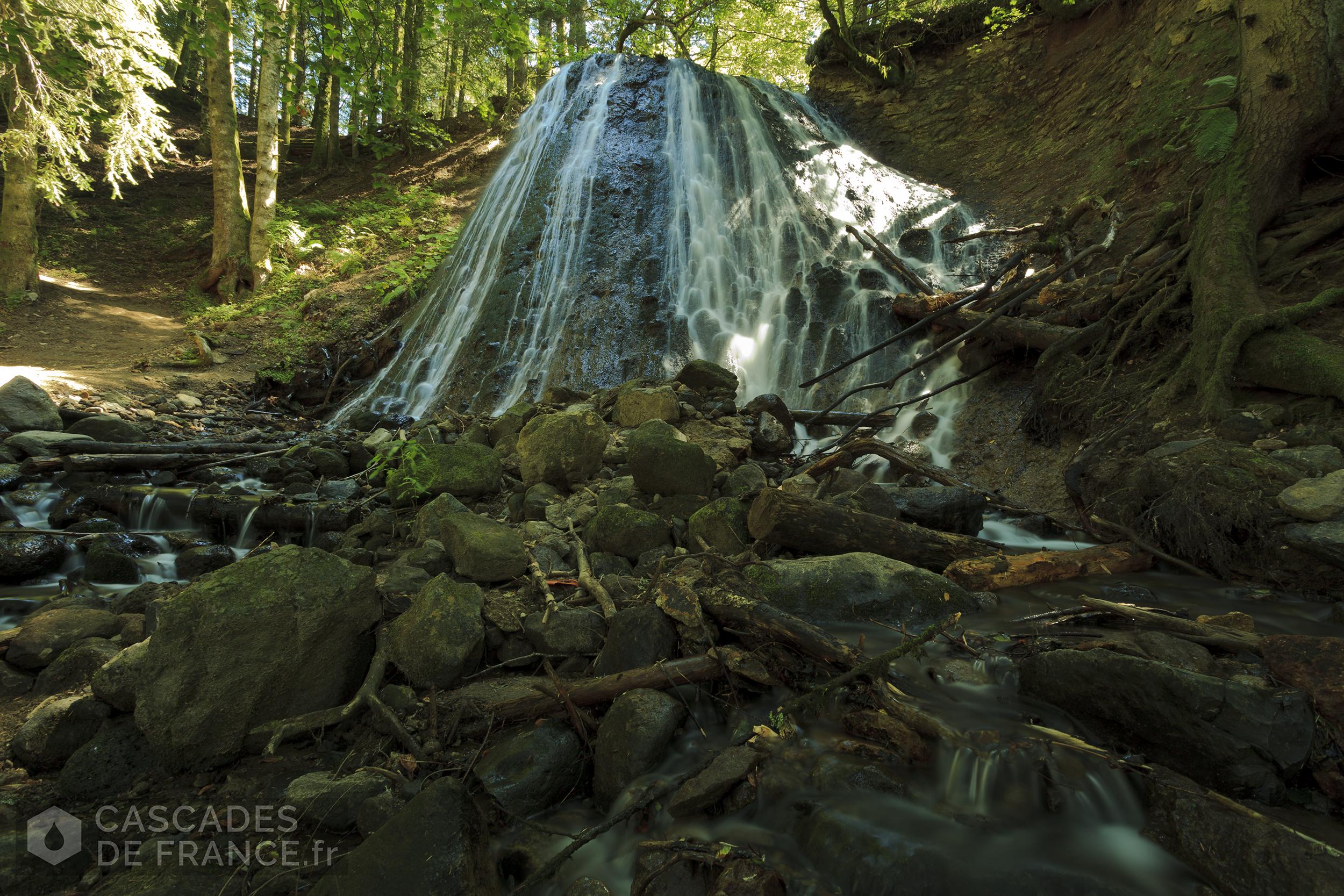 0811-IMG_5227-cascade-rossignolet-mont-dore-cdf